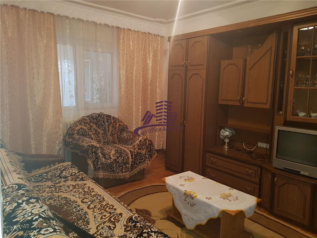 Apartament 2 camere semidecomandat in Gradinari
