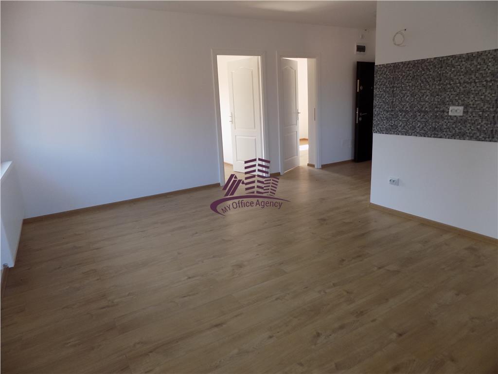 Apartament de vanzare cu 3 camere, zona Bucium