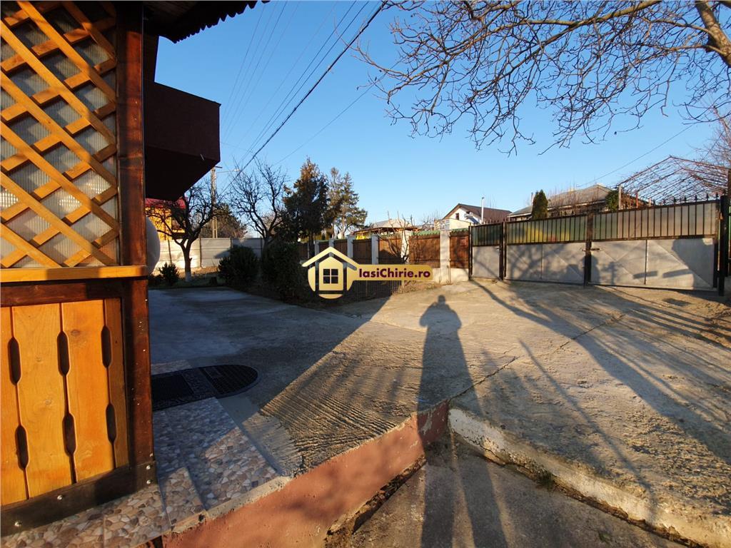 Casa Aroneanu cu priveliste spre lac