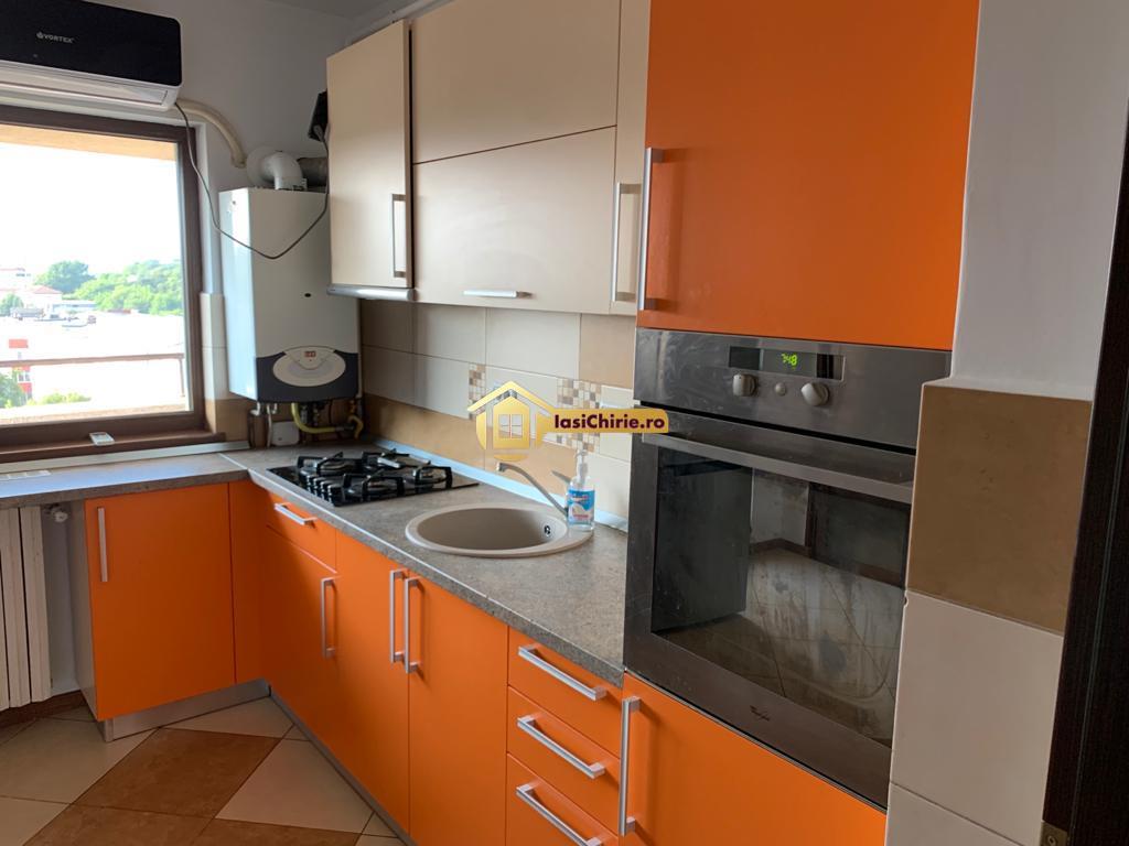 Apartament de inchiriat cu 3 camere, decomandat, lux, bloc nou, Centru