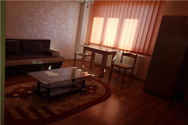 Apartament de inchiriat cu 2 camere, lux, complex rezidential